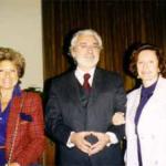Frascati 1996-1997. G. Rinaldi, fondatore dell'Università Popolare del Tuscolano tra due sostenitrici dell'iniziativa.
