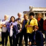 Aprile 1998: Atene, Partenone. Un gruppo dell'Università Popolare del Tuscolano in viaggio di studio.