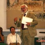 28 maggio 2005: Biella, il prof. Rinaldi con la Prof.ssa Paola Bernascone Cappi, presidente della Università Popolare di Vercelli e Vice Presidente della CNUPI in occasione del conferimento dell'onoreficenza da parte del Club Kiwanis.